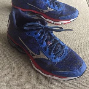 Mizuno Shoes - Mizuno Wave Creation 16 Running Shoe